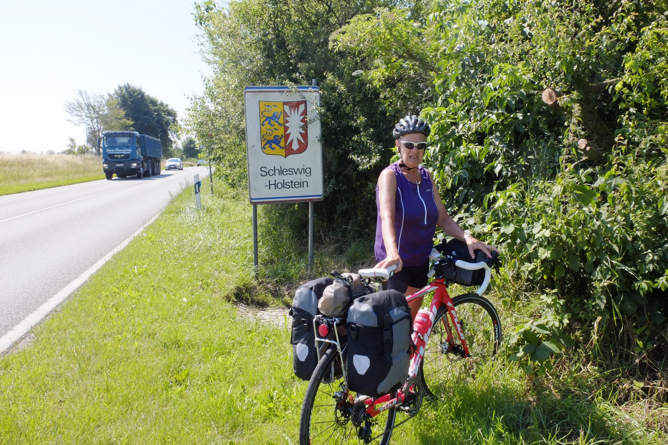Vi krydsede den dansk-tyske grænse ved Padborg.